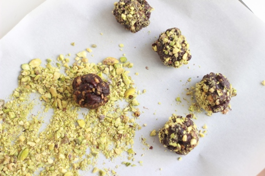 raw pistachio cherry chocolate snack balls