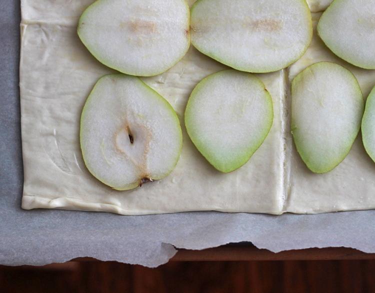Pears on crust